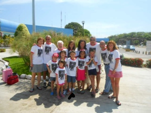 Entire clan at the Zejuatanejo airport